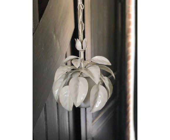 Suspension fleur tôle peinte
