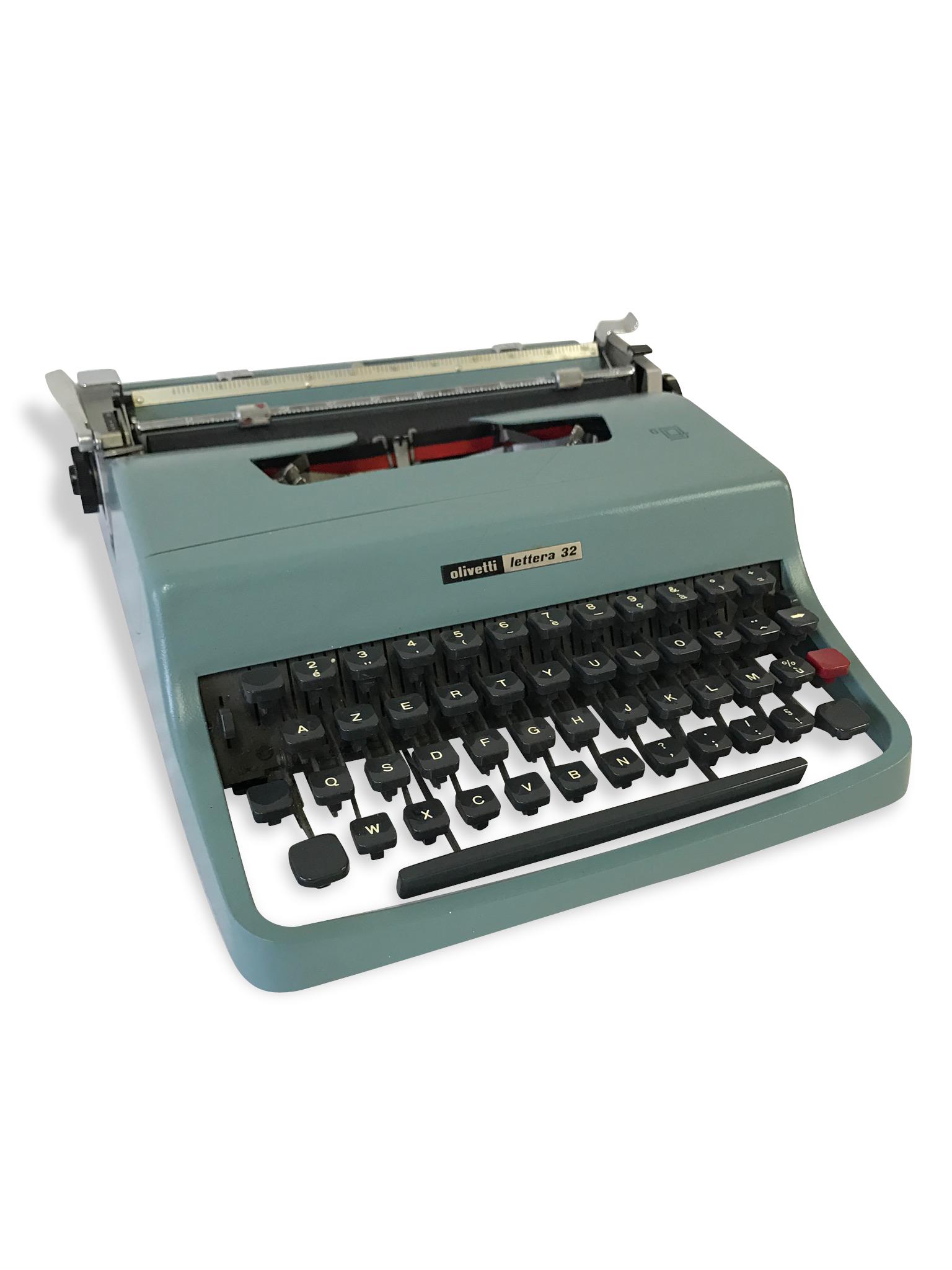 Machine à écrire Olivetti vintage