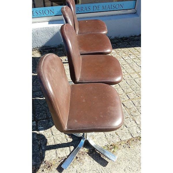 Série de chaises des années 70 pivotante en simili cuir vintage | Selency
