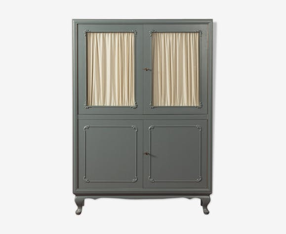 Cabinet from the 1950