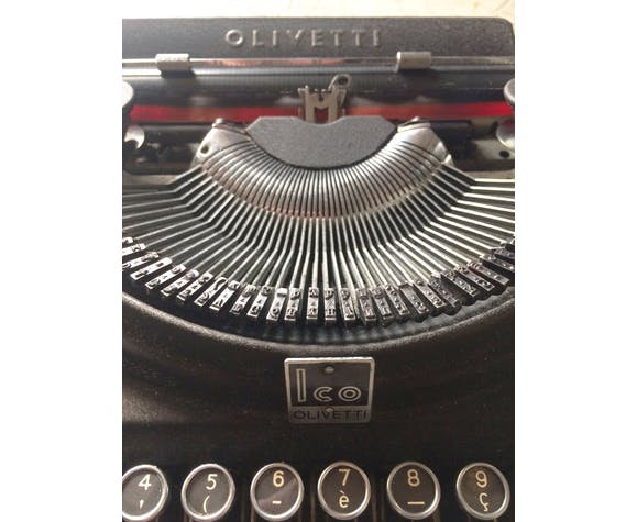 Machine à écrire Olivetti ico 1932