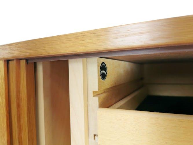 Cabinet danois en bois Hundevad