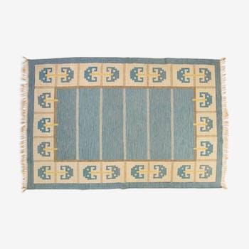 Scandinavian mid-century rug, signed. 300 X 205 cm (118.11 X 80.71 in).