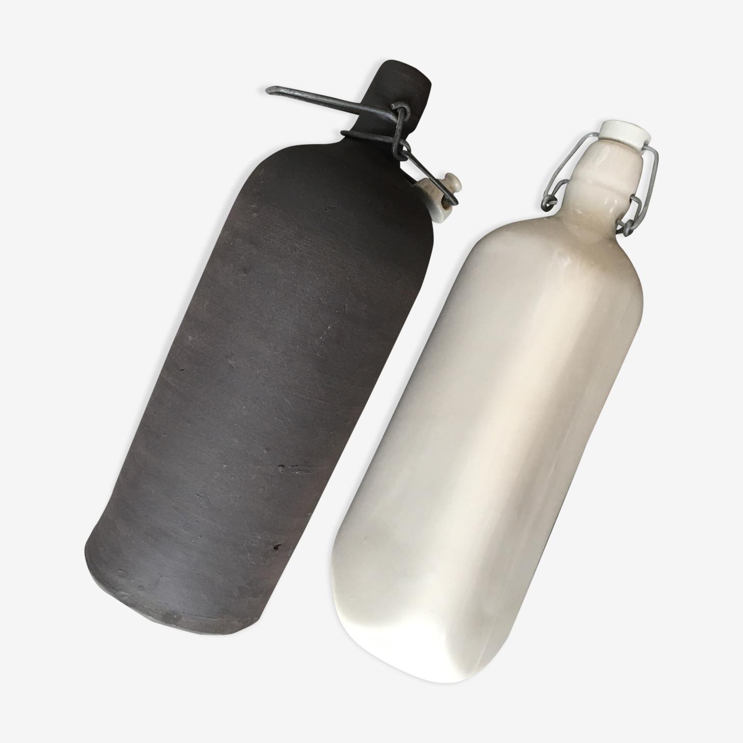 Duo de bouteilles en grès vintage