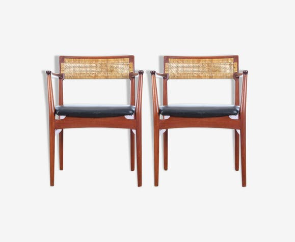 Pair of scandinavian teak and leather armchairs model W26