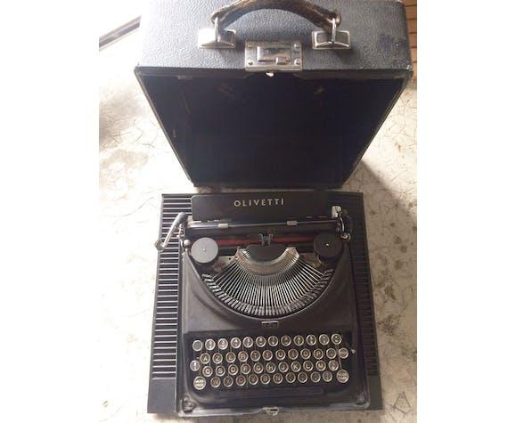 Olivetti ico typewriter 1932