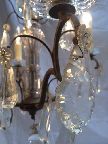 Antique chandelier 4 crystal tassel lights with glass cups and column