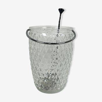 Seau en verre avec cuillère à glaçons