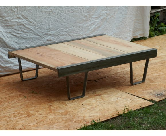 Industrial coffee table, former SNCF palette