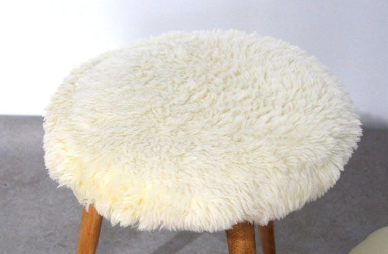 Tabouret peau de mouton