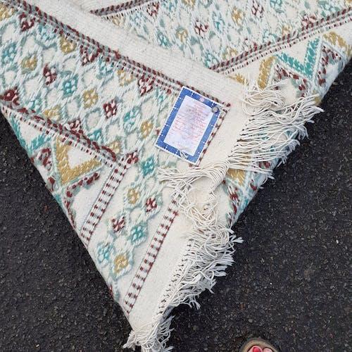 Light wool carpet, hand-weave - 117x183cm