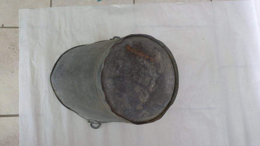 Ancien seau à charbon