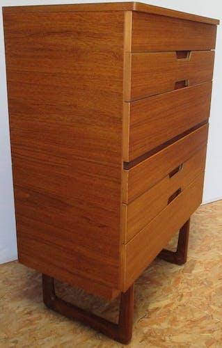 Commode Haute Uniflex par G.Hoffstead.