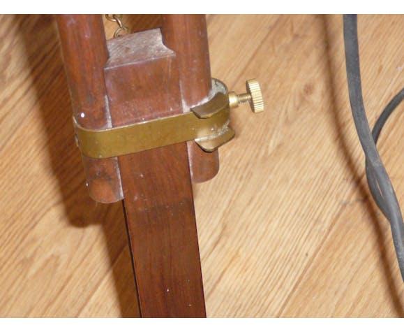 Ancien trépied bois et laiton avec sa lampe indus | Selency