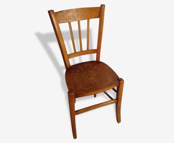 Chaise ancienne bistrot en bois brut assise dessin sculpt vintage bois mat riau bois - Chaise ancienne avec accoudoir ...