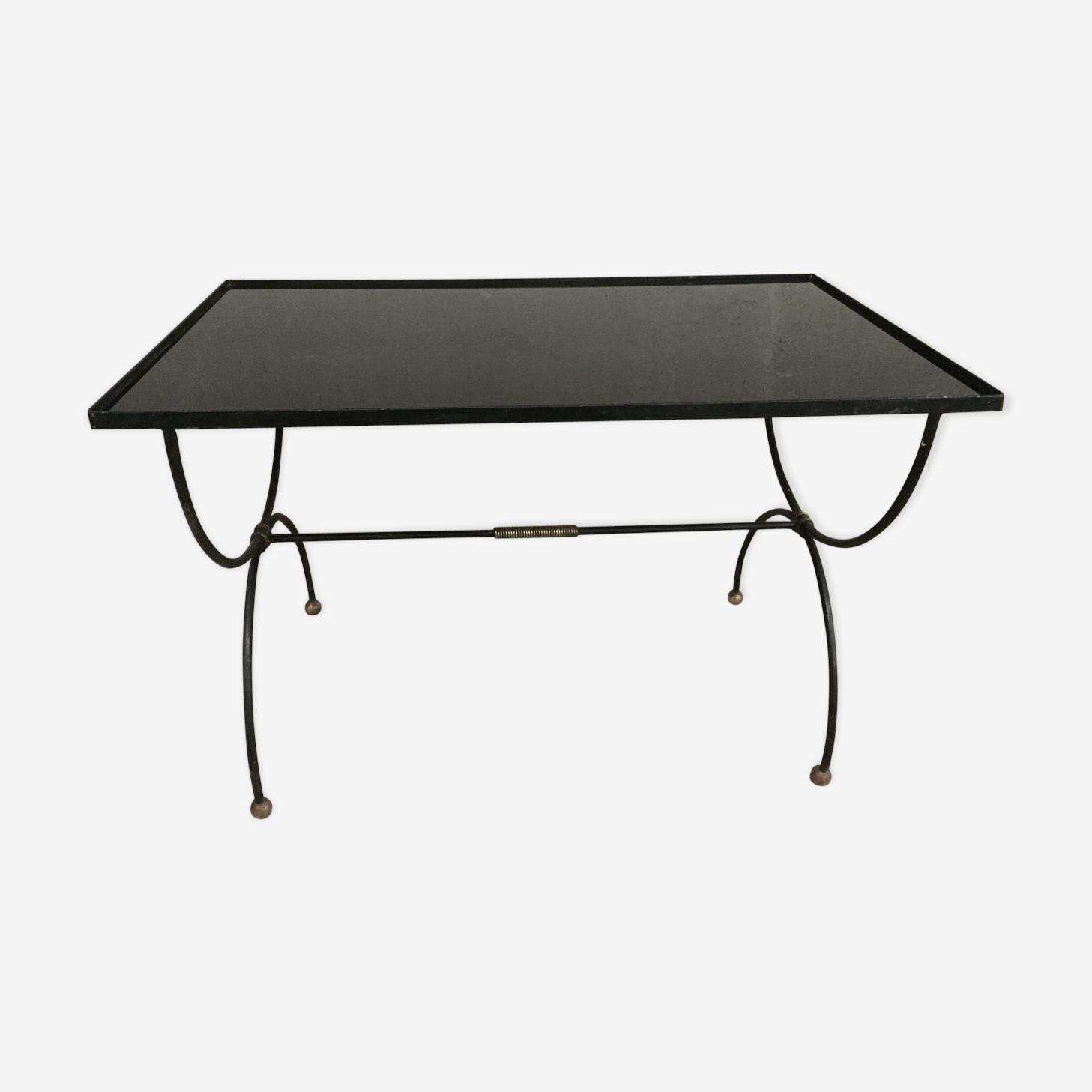 Table basse 1950 fer forgé bronze et verre opaliné noir
