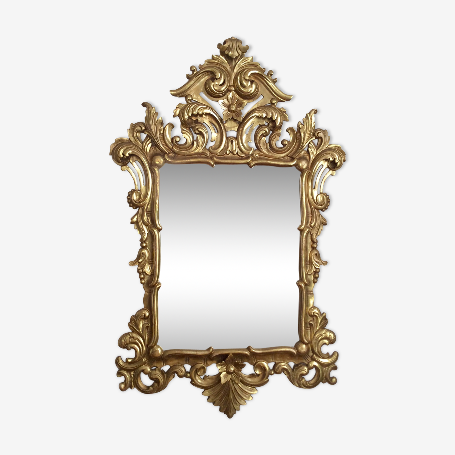 Miroir style baroque en bois doré 107 x 68cm