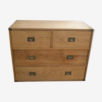 Boat chest of drawers