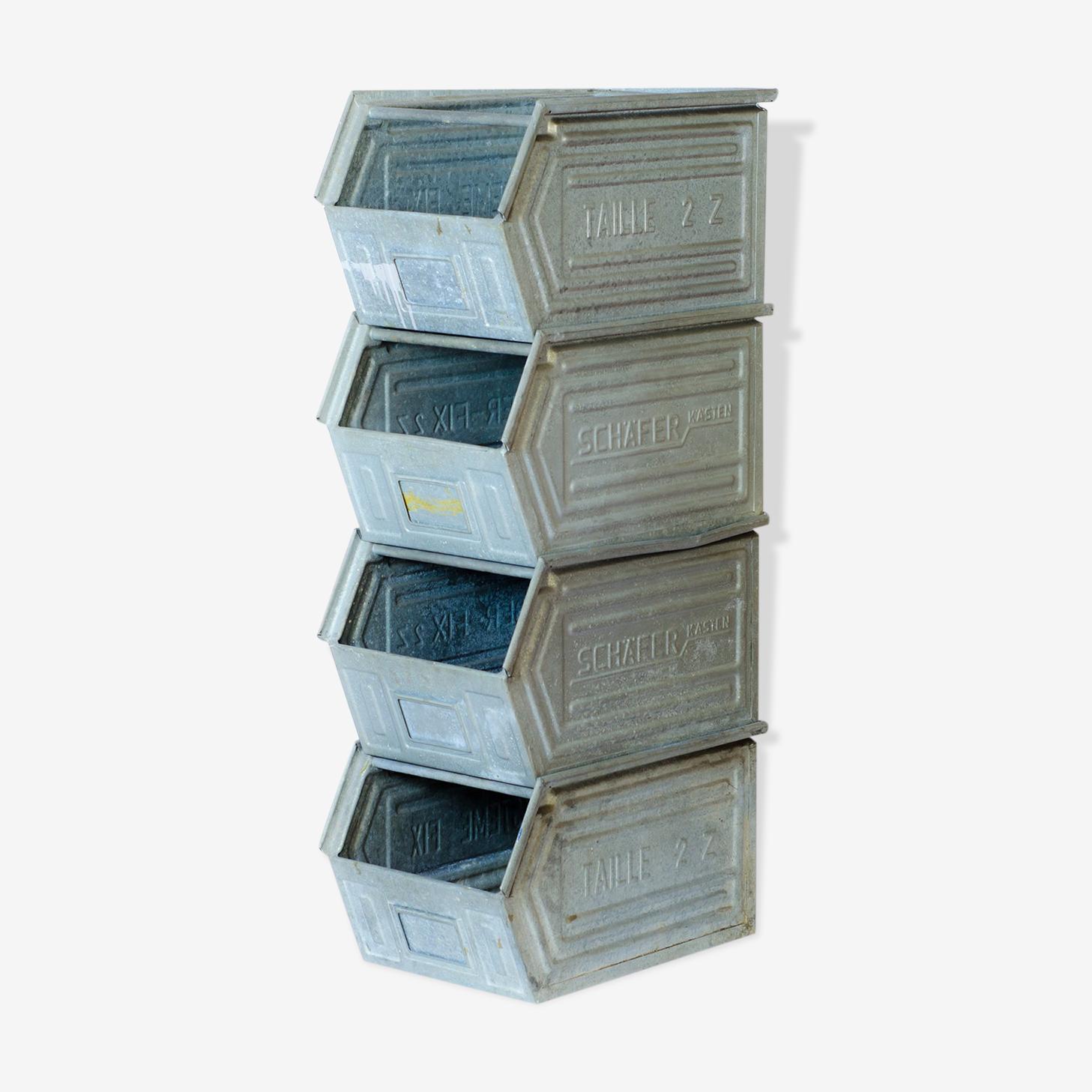 Lot de 4 casiers en metal