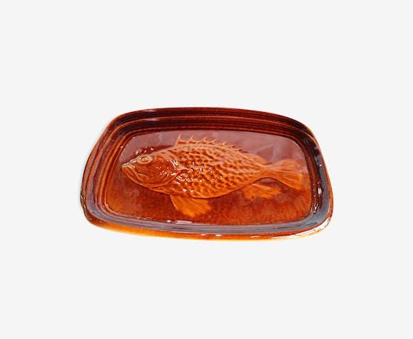 Plate fish motif Saint Clément France 1304