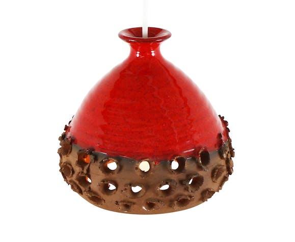 Suspension en céramique perforée orange et rouge, années 1970