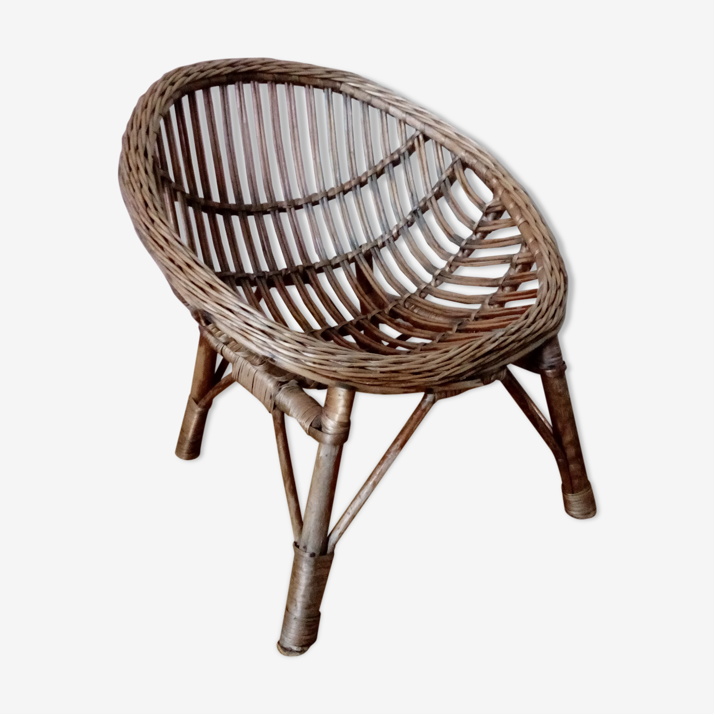 Children's wicker shell armchair