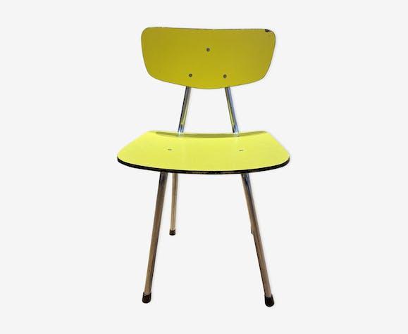 Chaise jaune en formica enfant