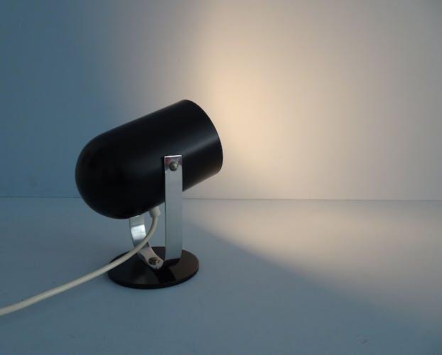lampe de table noire en métal et chrome