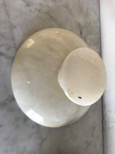 Coupe que pied en onyx blanche