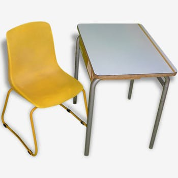 Chair & school desk 70s