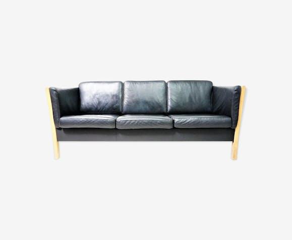 canap scandinave en cuir noir et bois naturel cuir. Black Bedroom Furniture Sets. Home Design Ideas