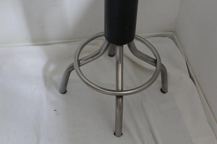 Tabouret métal et simili cuir