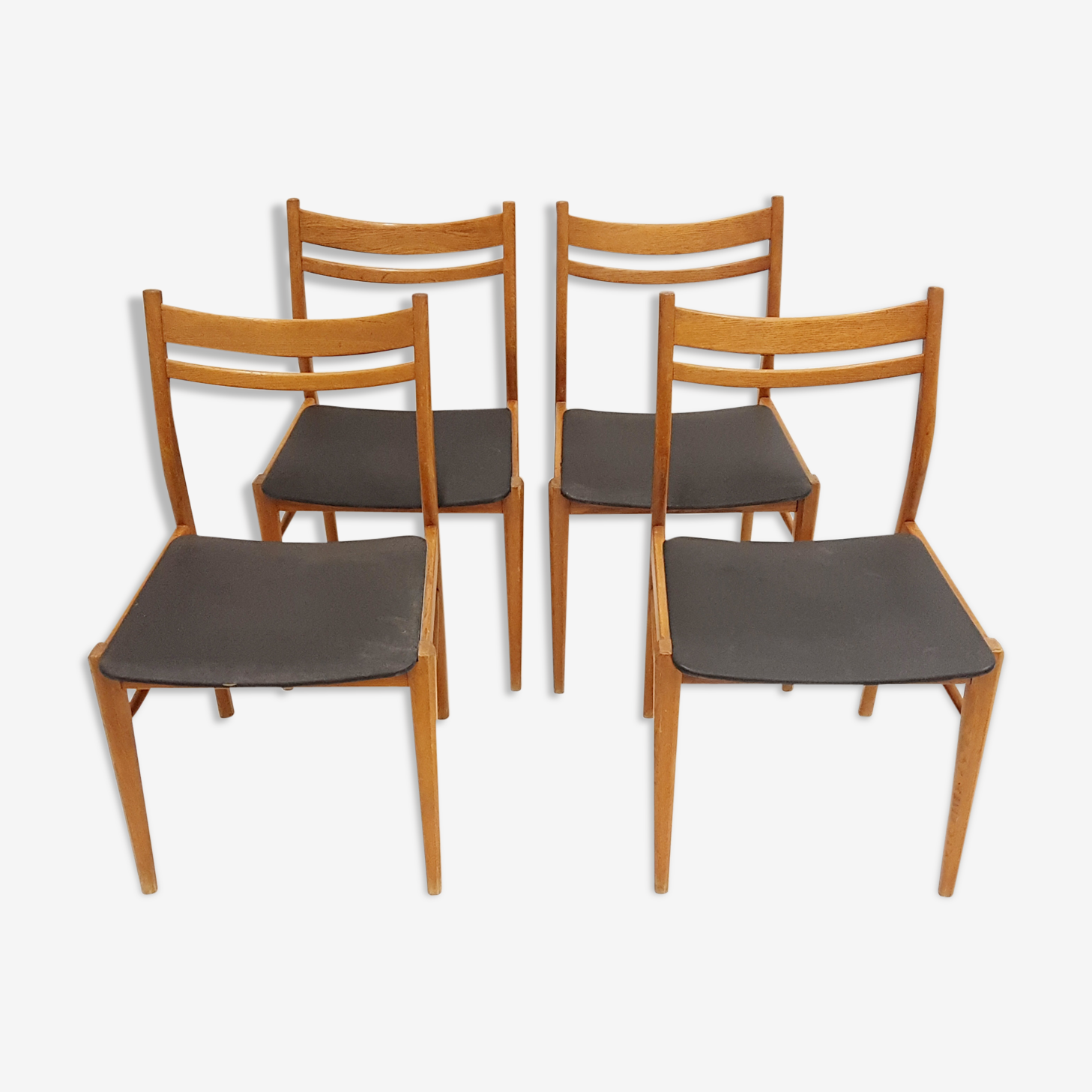 Suite de 4 chaises scandinaves 1960
