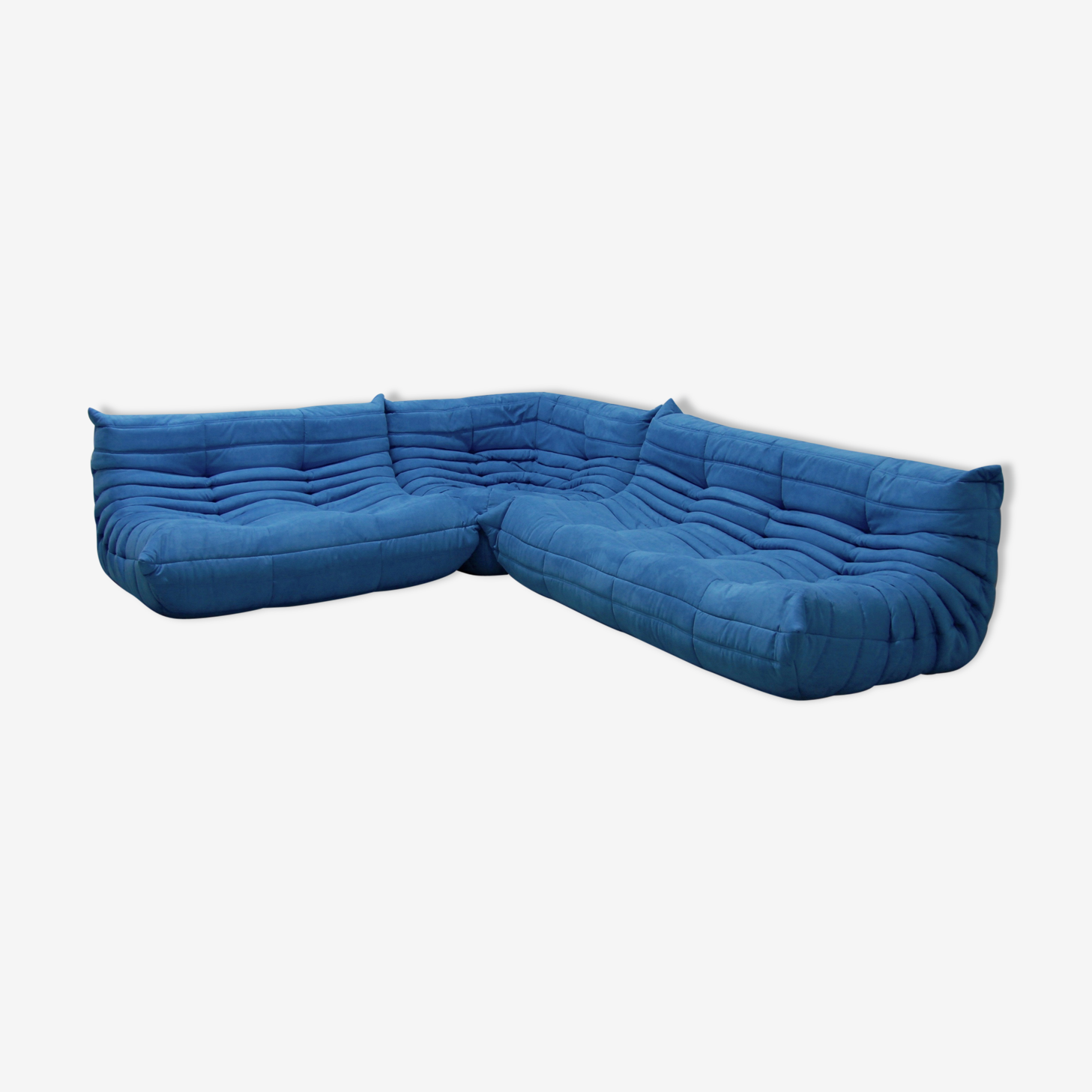"""Set de canapé  """"Togo"""" en microfibre bleu clair par Michel Ducaroy pour Ligne Roset"""