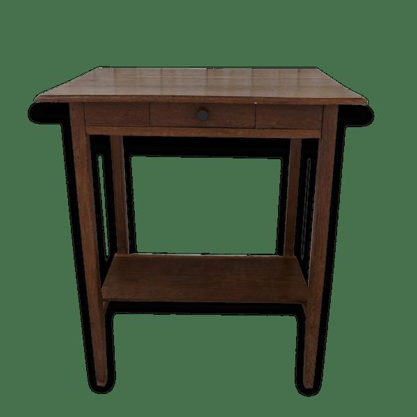 petite table en ch ne classique petit bureau table d 39 appoint bois mat riau bois. Black Bedroom Furniture Sets. Home Design Ideas