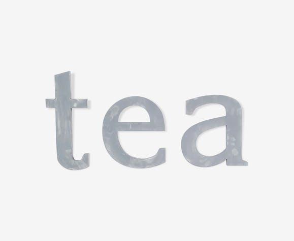 """Lettres d'enseigne """"tea"""" des années 70 gris patiné"""
