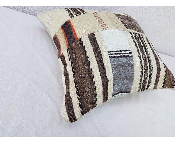 Coussin kilim truc 45x45 cm