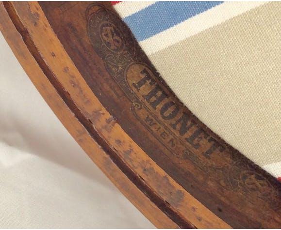 Fauteuil pour enfant en bois courbe du fabricant Thonet