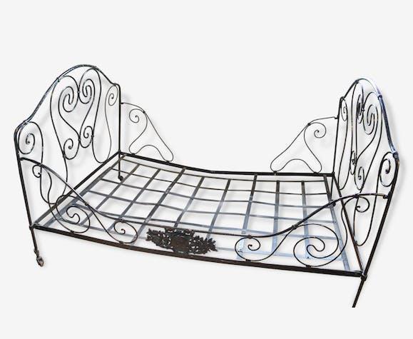 lit ancien fer forg lit cage xviiie siecle m tal. Black Bedroom Furniture Sets. Home Design Ideas
