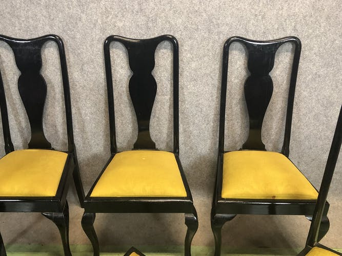 Suite de 6 chaises Chippendale des années 60 en acajou patine noir mat