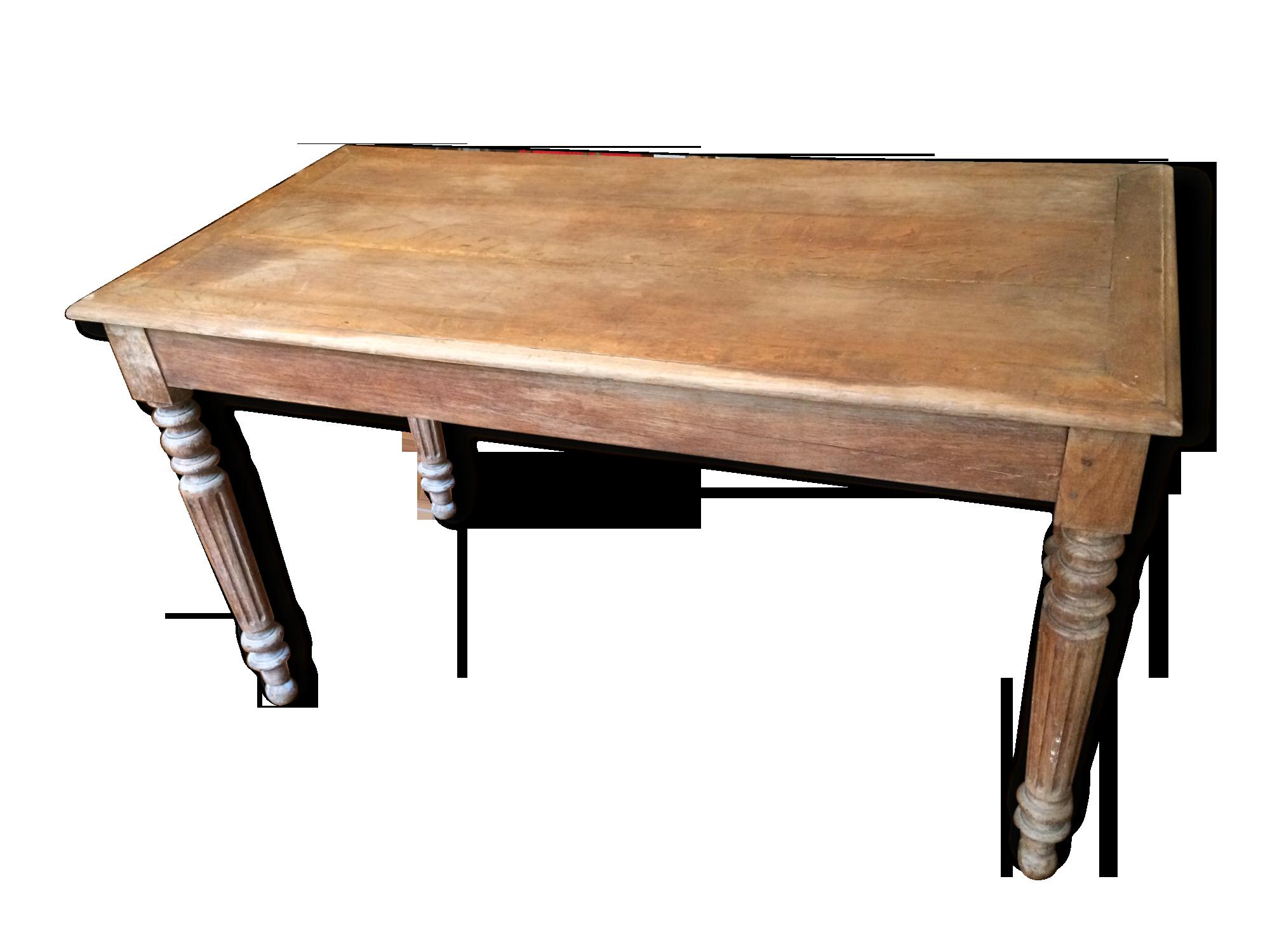 Table en chêne à pieds tournés bois matériau classique
