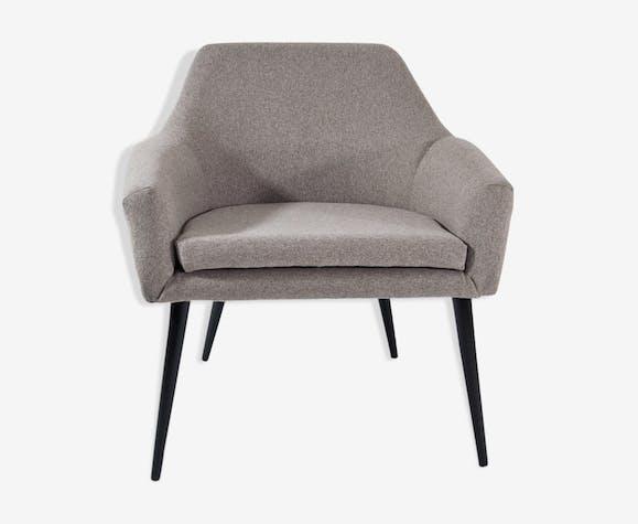 "Chair type 300-202 B ""Muszelka"""