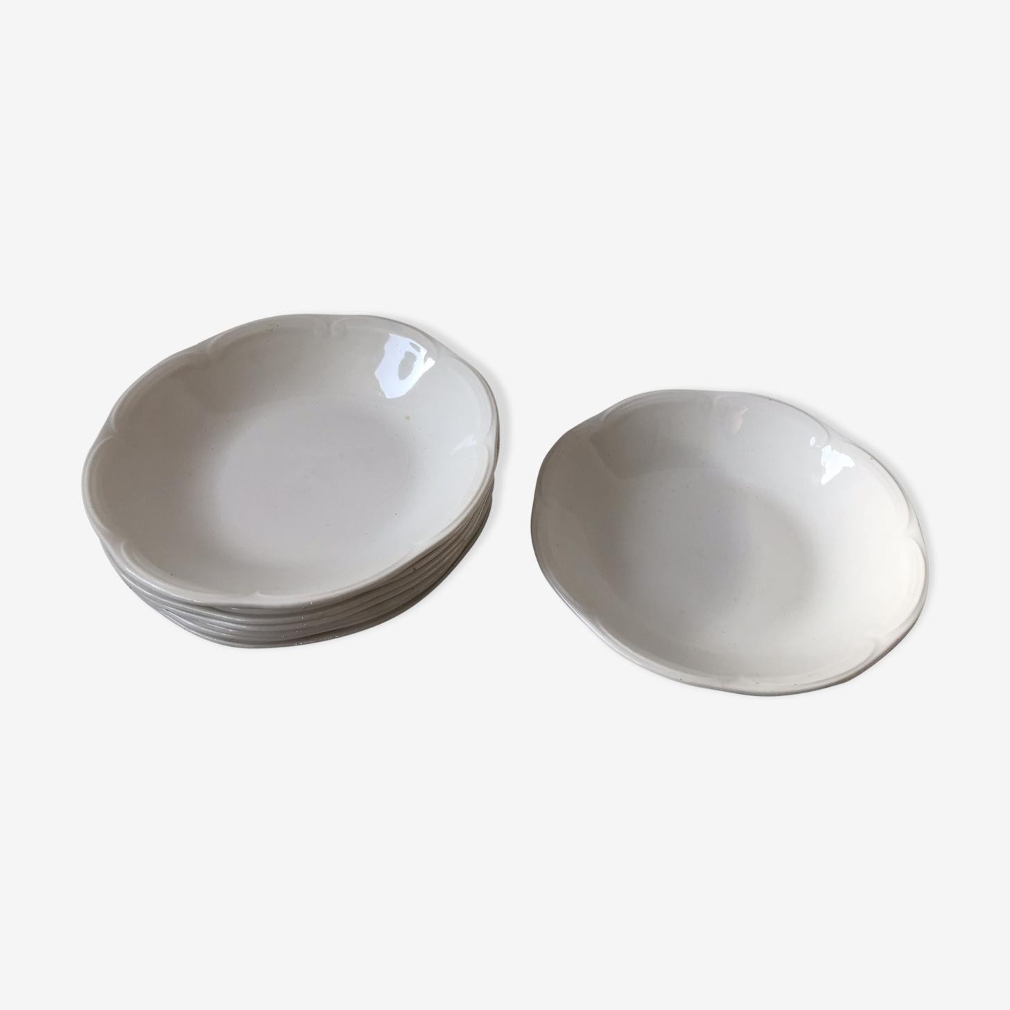 Ensemble de 8 assiettes creuses  porcelaine
