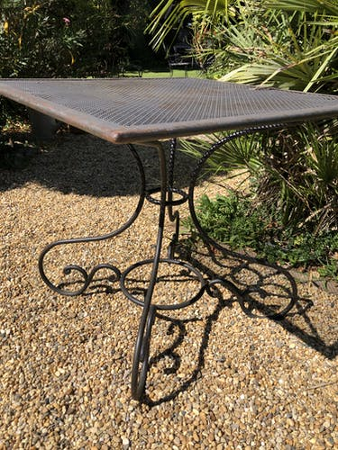 Table de jardin en fer forgé