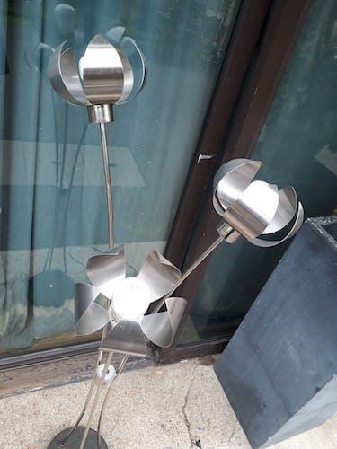 Lampadaire fleurs, aluminium brossé