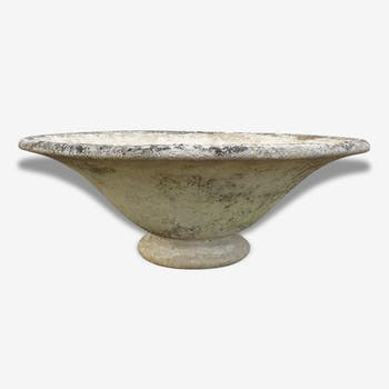 Round bowl in stone restored