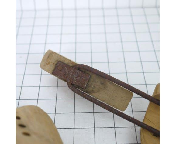 Embauchoirs en bois anciens 27 cm