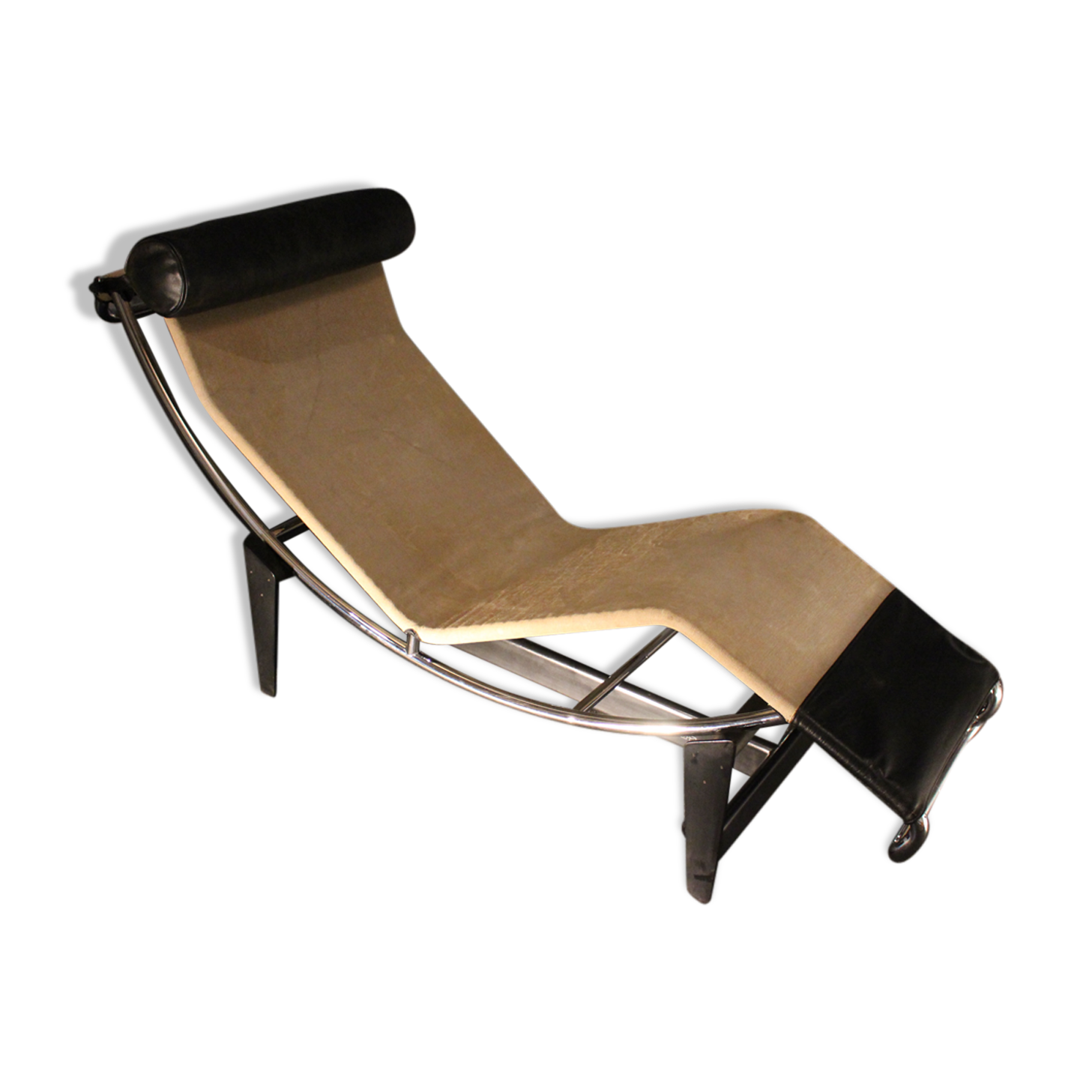 chaise le corbusier prix excellent le corbusier lc chaise longue cassina le corbusier chaise. Black Bedroom Furniture Sets. Home Design Ideas