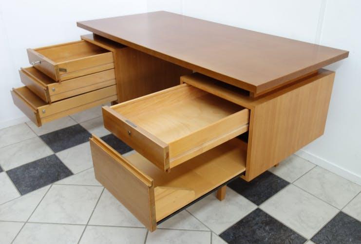 Bureau des années 1960