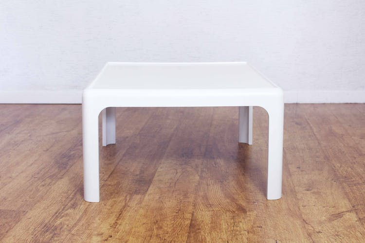 Table Peter Ghyczy pour Horn Collection